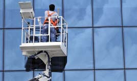 cleaning glass panes from outside
